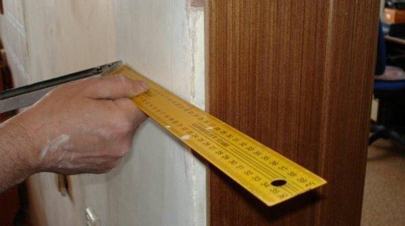Монтаж дверных доборов