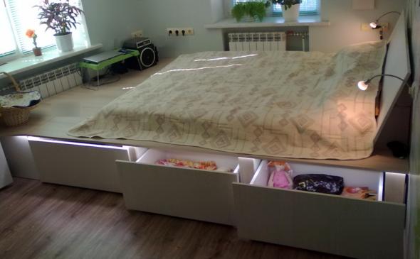 кровать-подиум готова