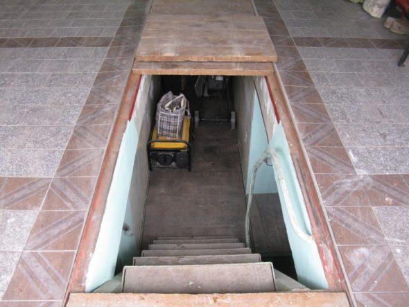 Общий вид смотровой ямы в гараже