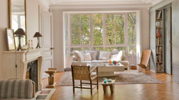 Просторная гостиная фо французском стиле