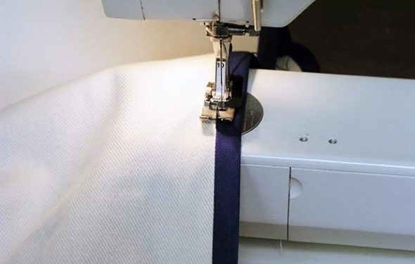 Процесс сшивания чехла