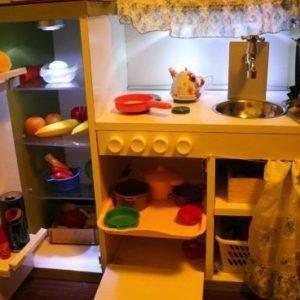 Детская кухня из старой мебели