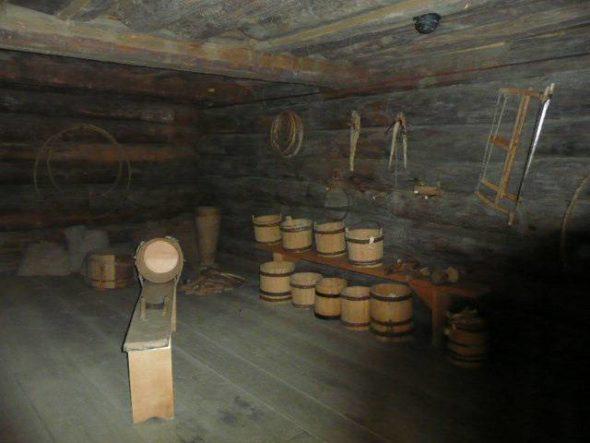 Деревянный подвал