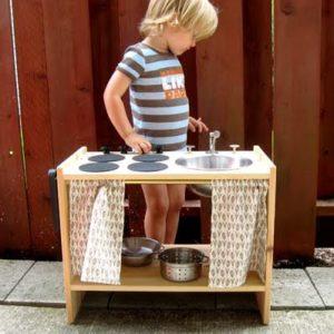 Детская кухня из тумбочки