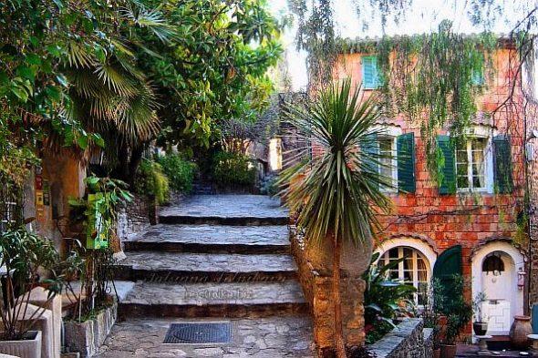 Дизайн двора в прованском стиле