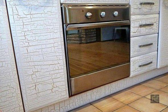 Кухонный гранитур со встроенной духовкой