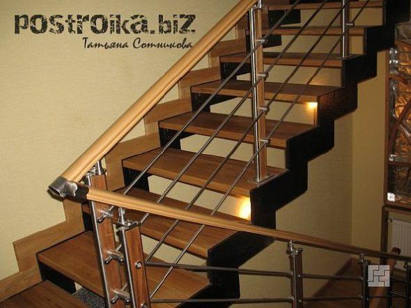 П-образная лестница на второй этаж в частном доме