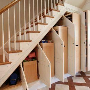 Лестница со шкафами