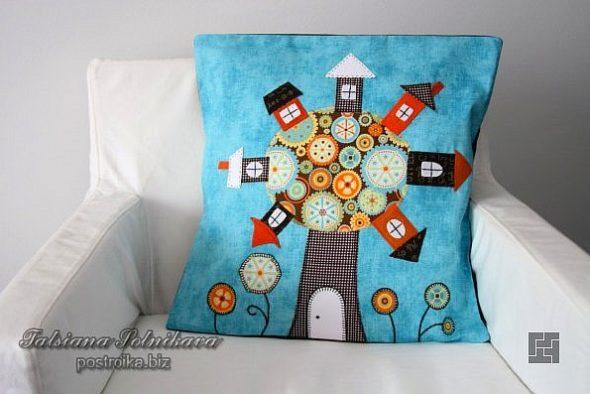 Подушка на кресле