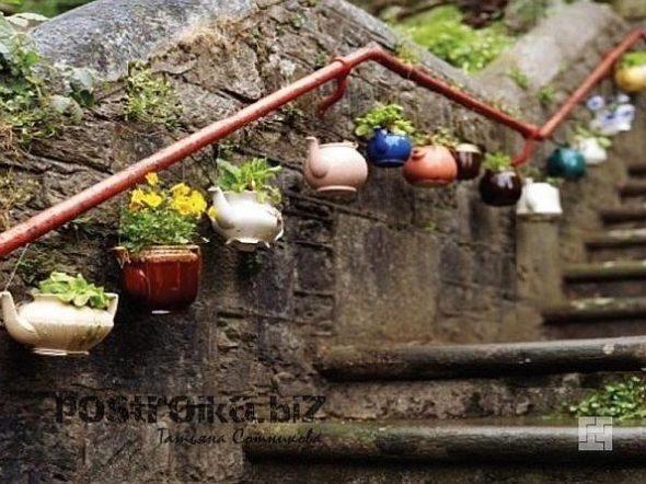 Декор для сада своими руками из заварочных чайников