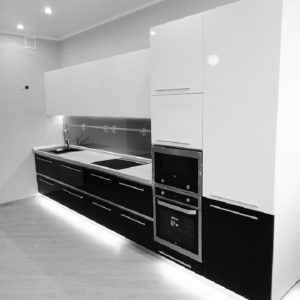 Чёрно-белая кухня хай-тек