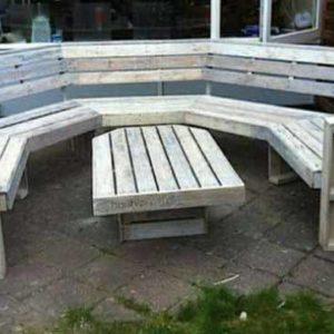 Садовый диван и столик