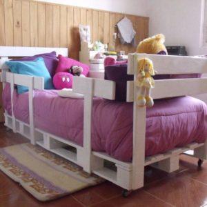 Детская кровать из паллет