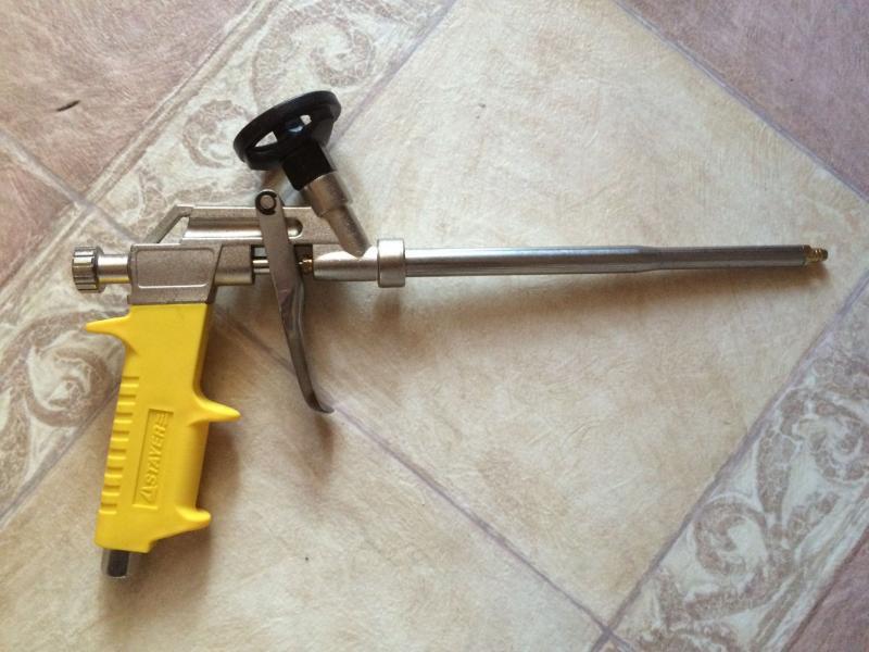 Какой пистолет для монтажной пены выбрать и как им пользоваться