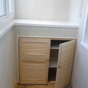 Шкаф-тумбочка на балконе