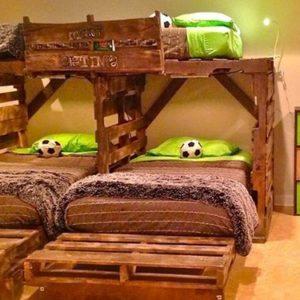 Спальный комплекс из паллет