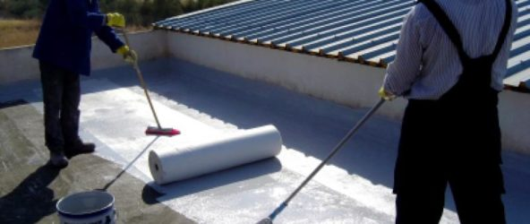 Гидроизоляция фундамента поможет увеличить срок эксплуатации постройки