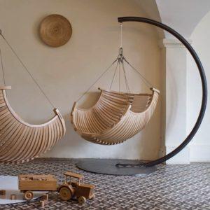 Кресло из деревянных дуг