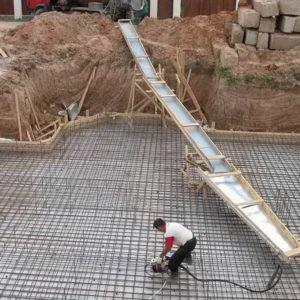 Заливка большого плитного фундамента