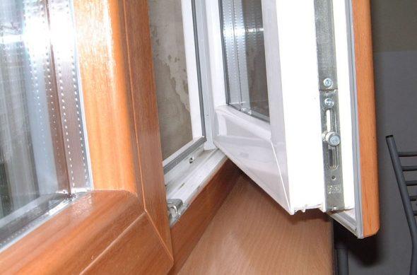 Фурнитура окна REHAU