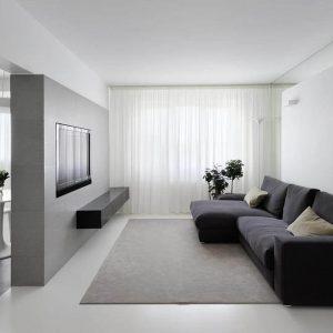 Телевизор, встроенный в нишу выступает в качестве декора