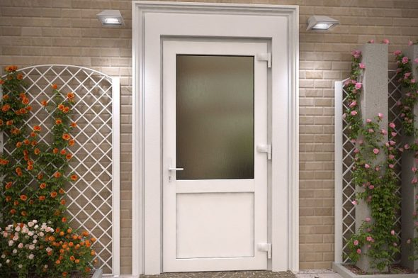 Вариант пластиковой входной двери