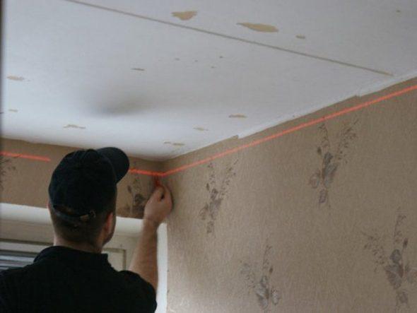 Разметка стен для натяжного потолка