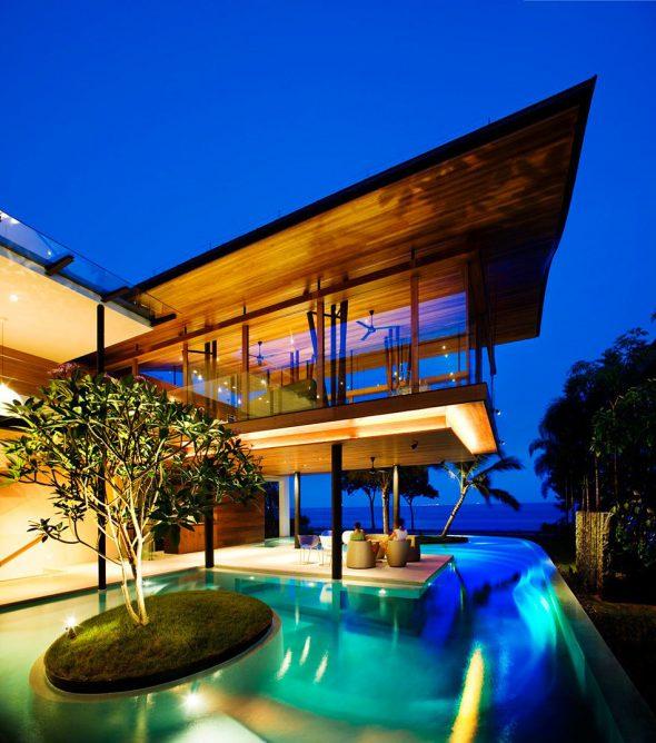 Дом Fish House с террасой в Сингапуре