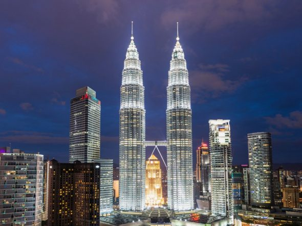 Башни Петронас в Малайзии