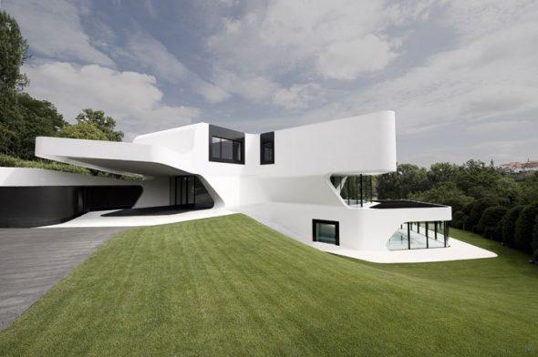 Загородный дом белого цвета в Германии
