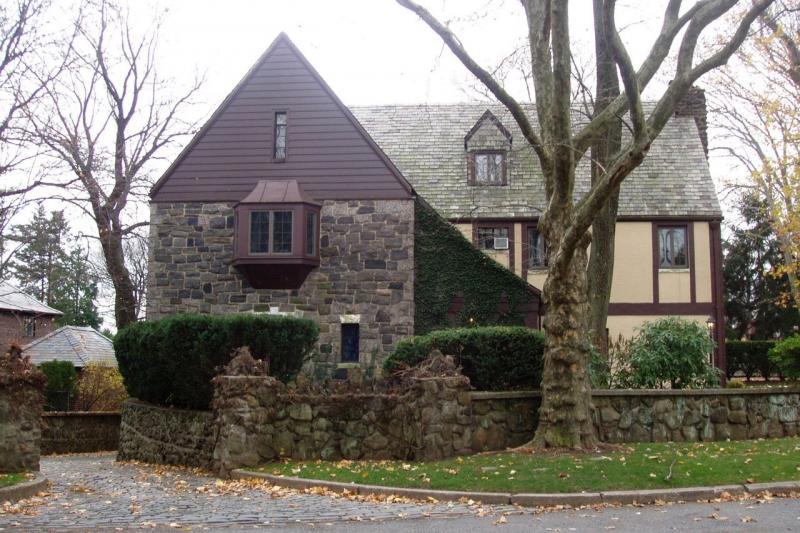 Дом из фильма «Крёстный отец» снаружи и внутри
