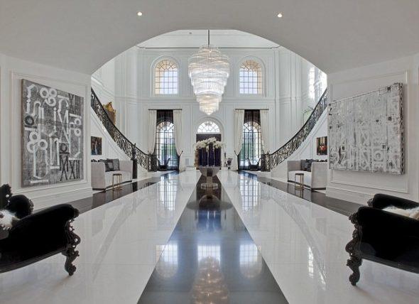 Холл в доме Бекхэмов