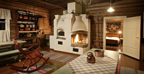 Интерьер деревянного дома с русской печью