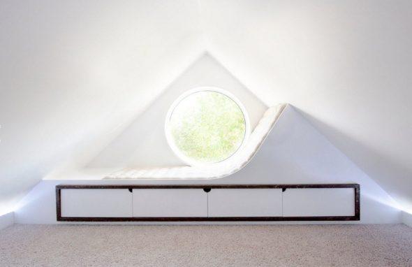 Комната для отдыха на чердаке