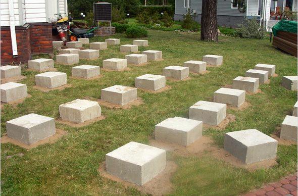 Опорные блоки для террасы