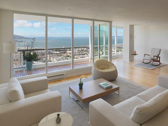 Дизайн гостиной с панорамными окнами