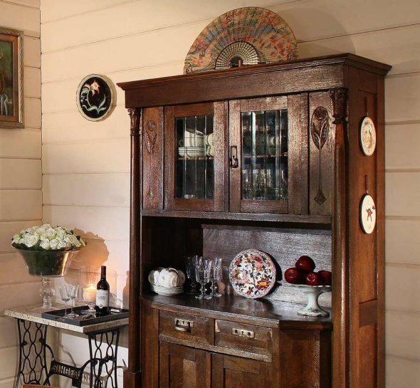 Состаренная или старинная мебель — атрибут стиля кантри
