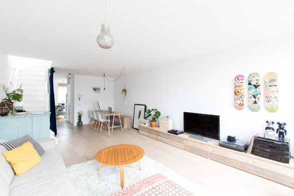 Дизайн просторной гостиной в скандинавском стиле