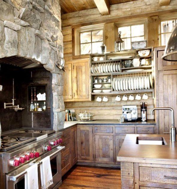 Кухня загородного дома в стиле рустик