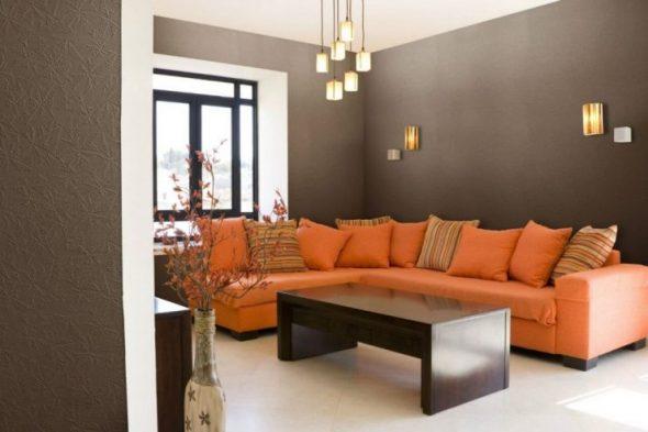 Стеклообои темного цвета в интерьере гостиной