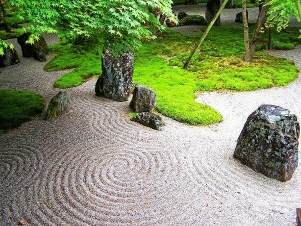 Песок в саду камней
