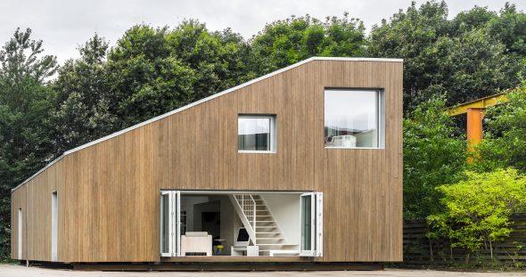 Дом, построенный из контейнера