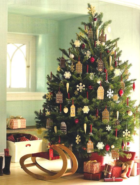 Пушистая новогодняя елка