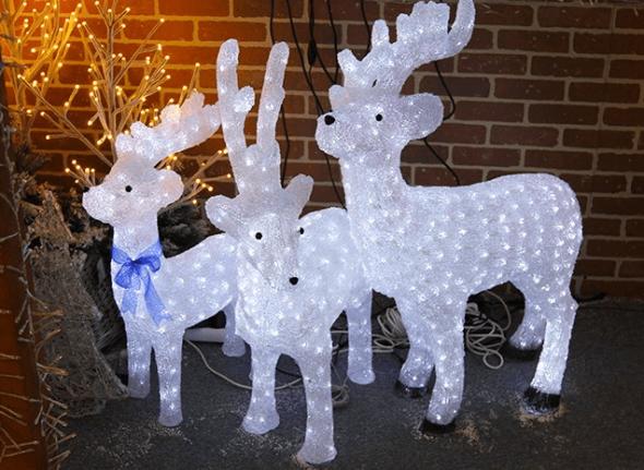 Новогодние фигурки светящихся оленят