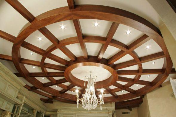 Потолок с балками
