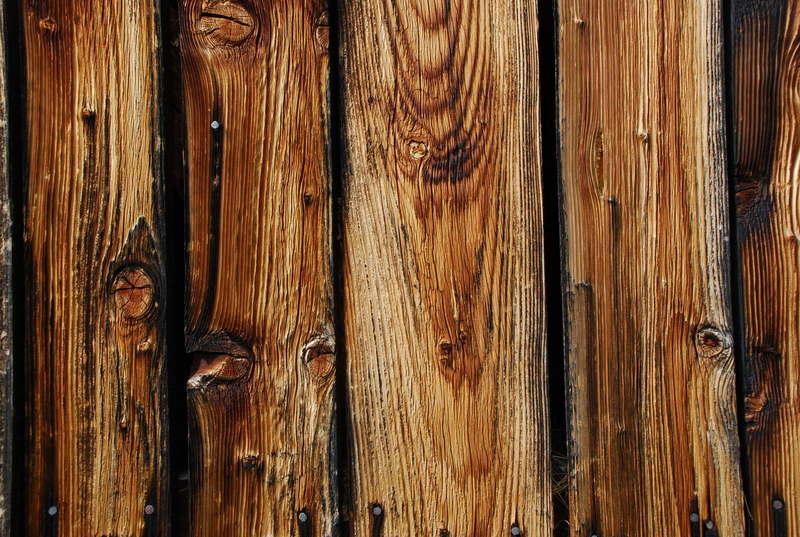 Как состарить дерево своими руками: пошаговая инструкция
