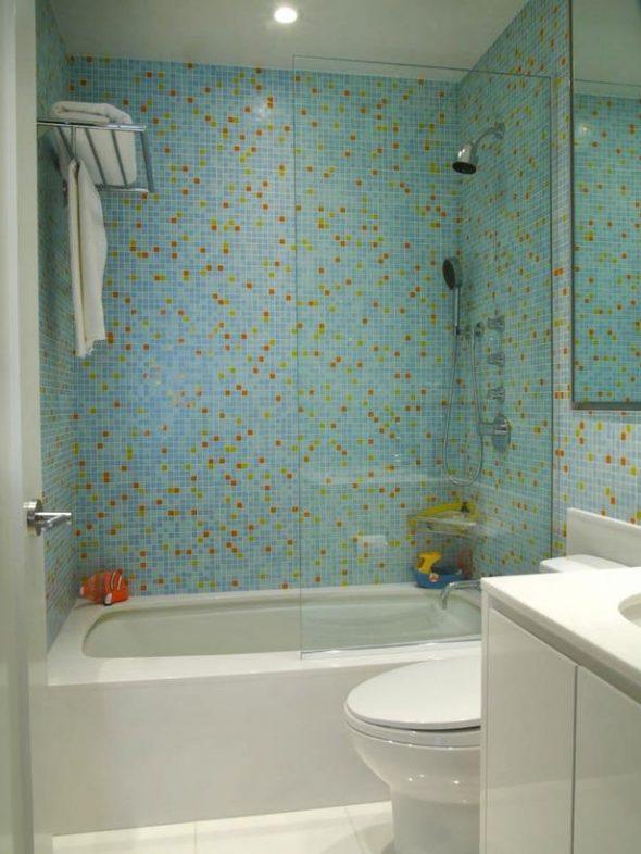 Фото ванной комнаты с отделкой мозаикой