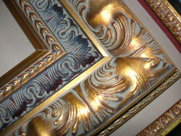 post_5c4479e6b95e7-590x443 Как сделать рамку для картины своими руками из плинтуса