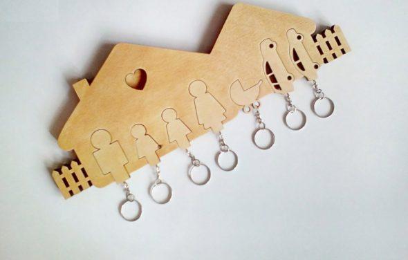 Ключница-пазл для большой семьи