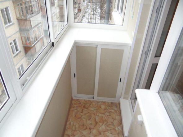 Балкон с нишей для хранения хозяйственной мелочёвки